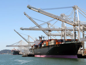 Conductix-Wampfler offers several System for the Energy & Data Transmission for Port industry